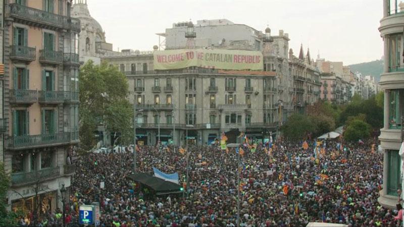 catalonia_smile_revolution_2